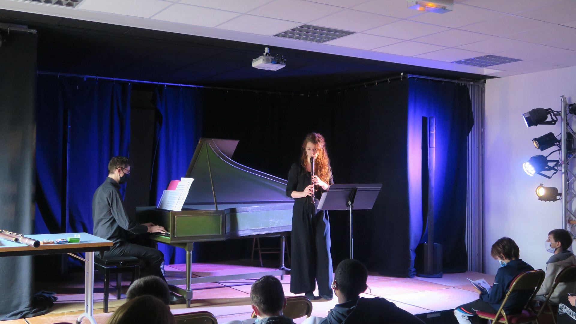 Flûte alors ! : résidence de Lucile Tessier, du 1er au 5 mars à Maule (collège de la Mauldre)