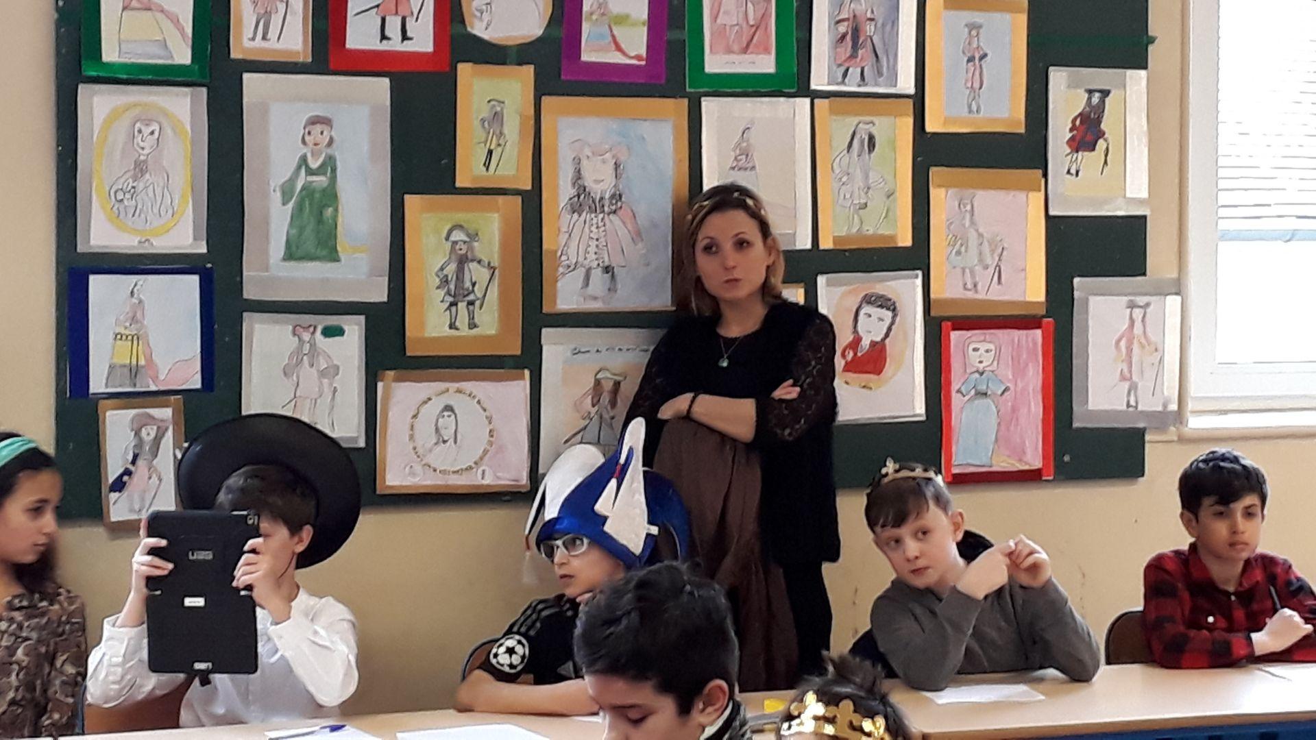 Atelier en classe à l'école élémentaire Jules Ferry de Rueil-Malmaison