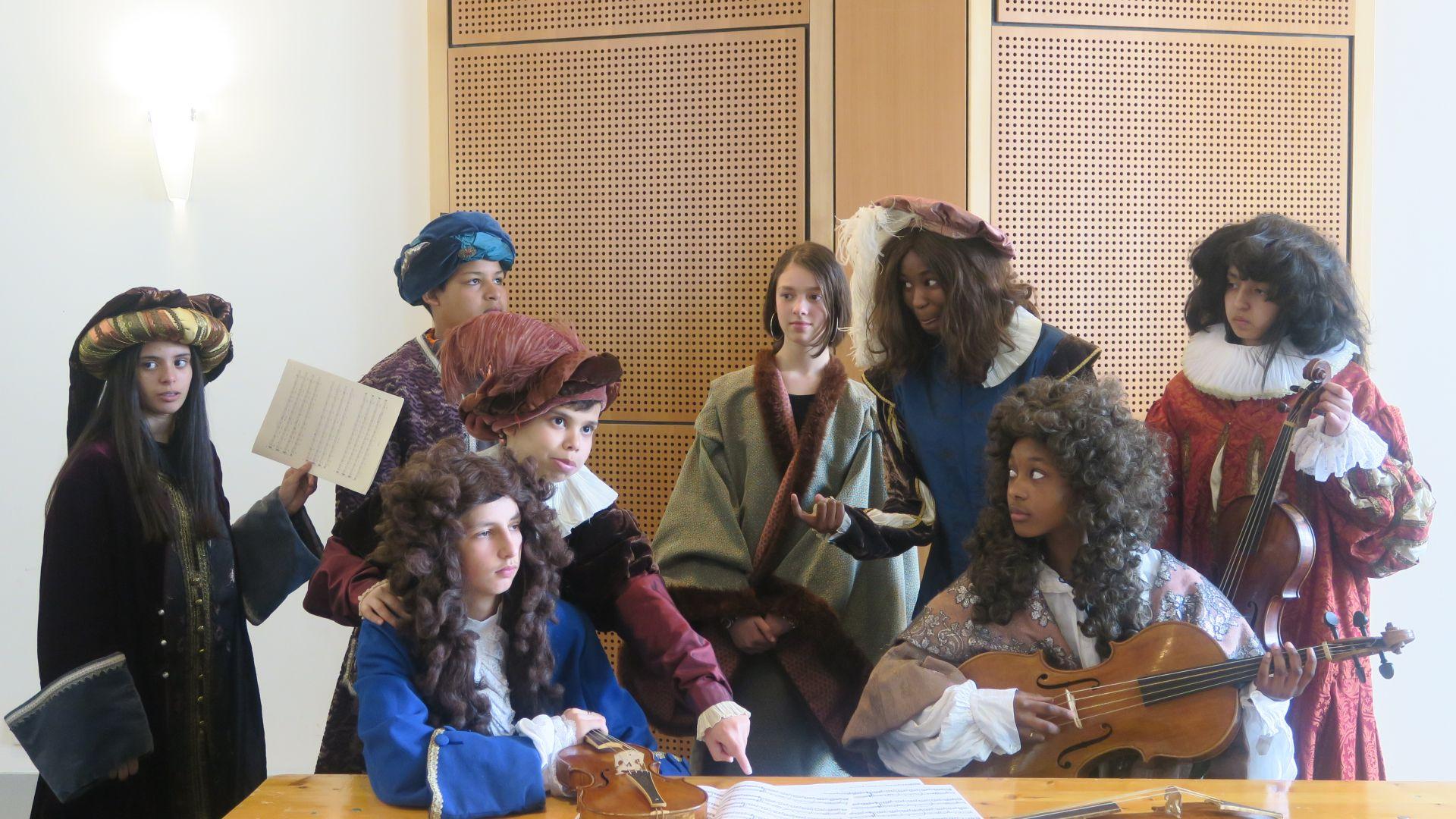 Atelier costumes au CMBV avec des étudiants, animé par Jean-Paul Bouron, février 2019