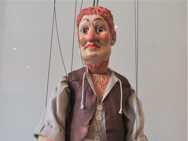 Atys, Boucher, marionnette, parodie