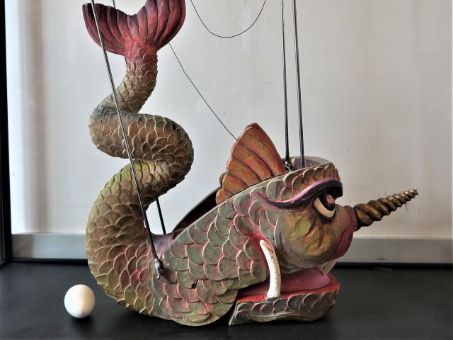 Hyppolite et Aricie, Monstre marin, marionnette, parodie