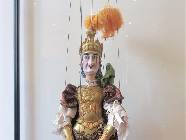 Hyppolite et Aricie, Thésée, marionnette, parodie